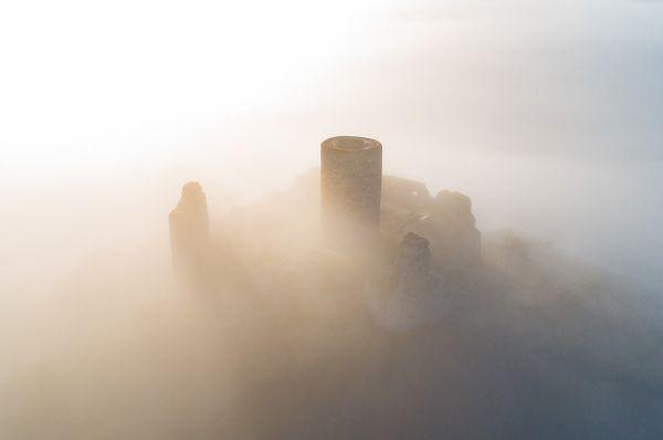 """Luftaufnahme """"Desenberg im Nebel"""""""